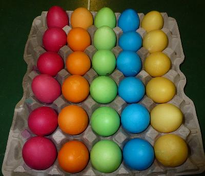 Красим пасхальные яйца 2