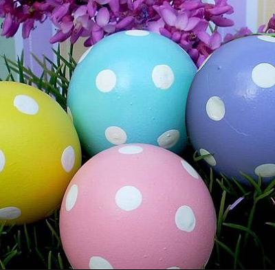 Красим пасхальные яйца 3
