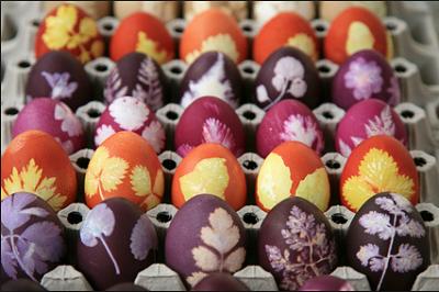 Красим пасхальные яйца 5
